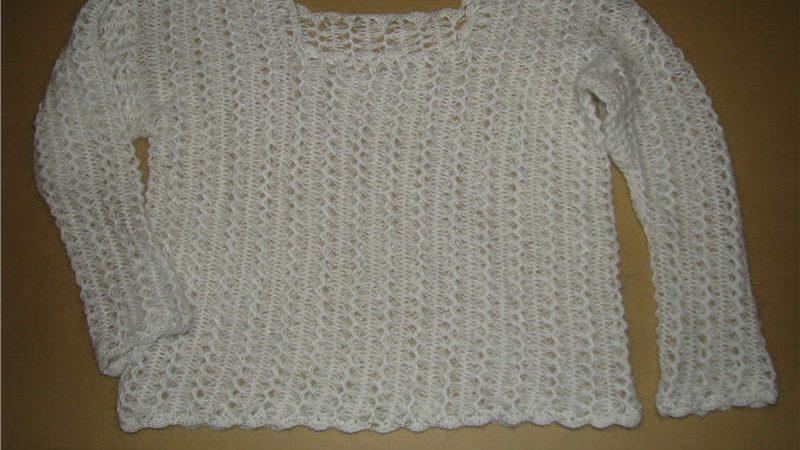 Пуловер, связанный на вилке
